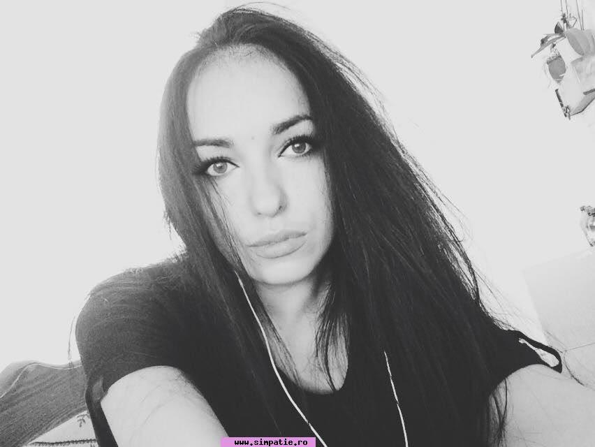 femeie singura in cautare de relatie cu barbati adevarati)