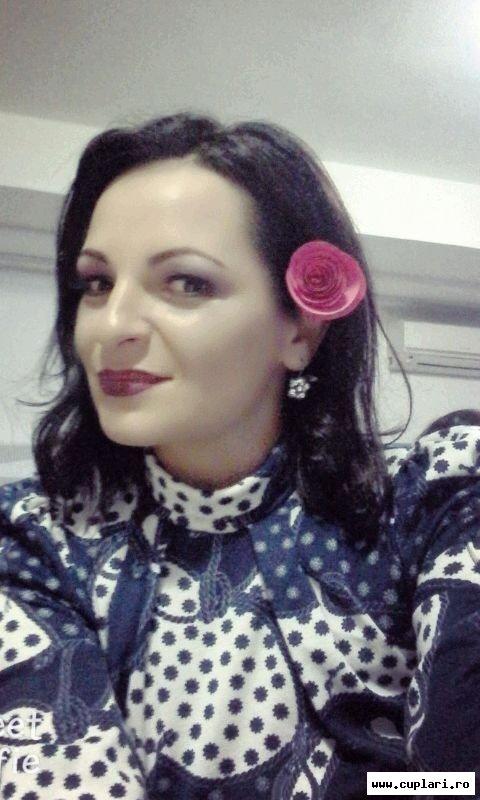 fete singure din Slatina care cauta barbati din Slatina