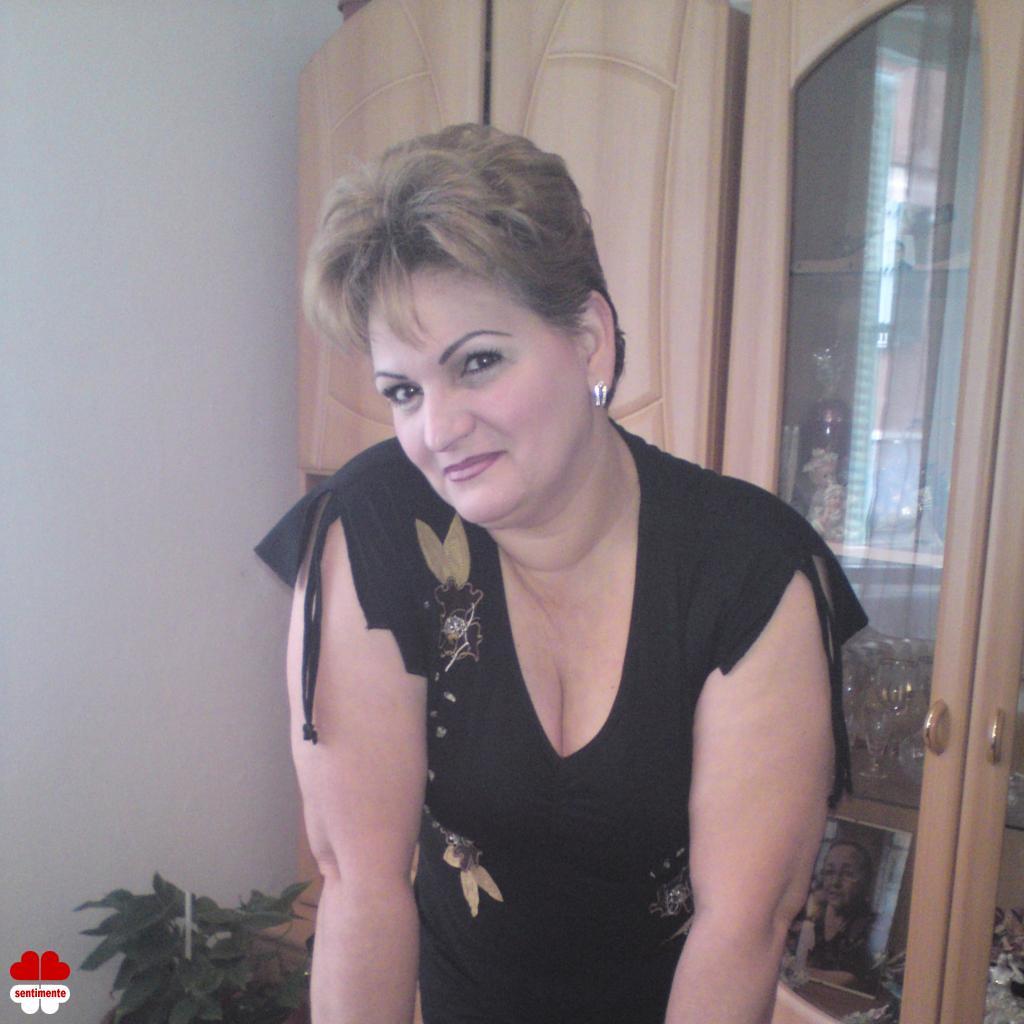 matrimoniale femei cu poza)