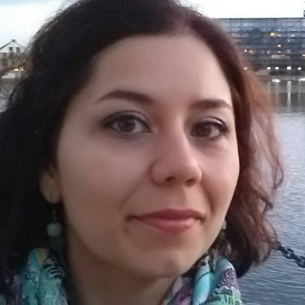 femei căsătorite din Slatina care cauta barbati din Alba Iulia o femei singură vrea să se întâlnească fără înregistrare
