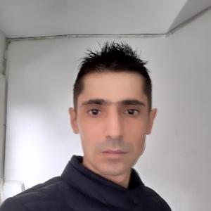 un bărbat din Craiova care cauta femei frumoase din Drobeta Turnu Severin