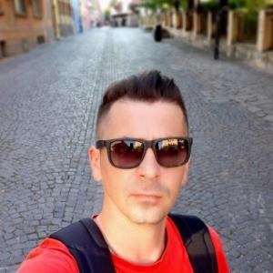 un bărbat din Sibiu care cauta femei singure din Slatina