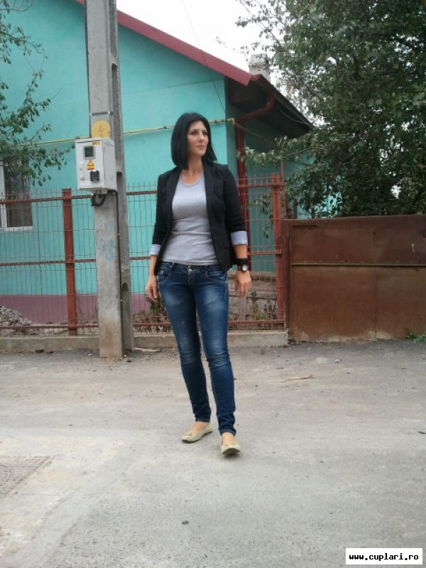 femei frumoase in cauta de barbati constanta)
