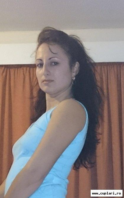 femeie singura caut barbat horezu)