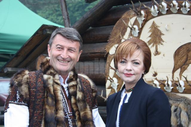 un bărbat din Brașov care cauta femei frumoase din Timișoara un bărbat din Sighișoara care cauta femei căsătorite din București