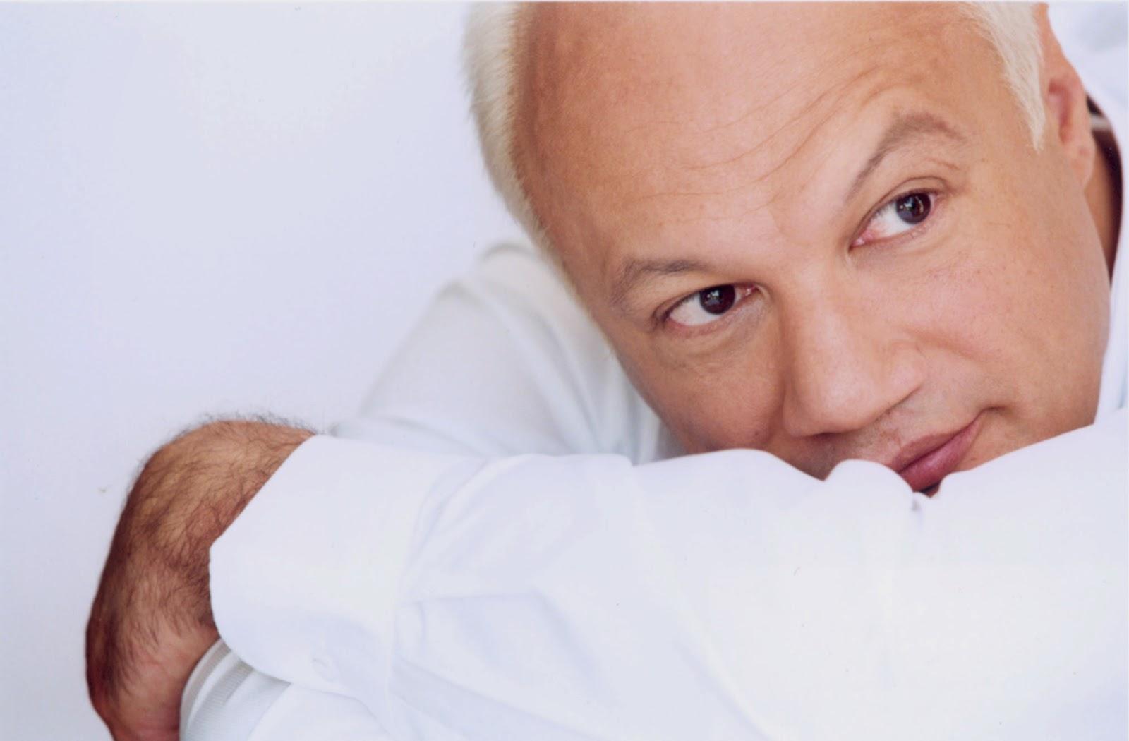Femei mai în vârstă care întâlnesc bărbați mai tineri