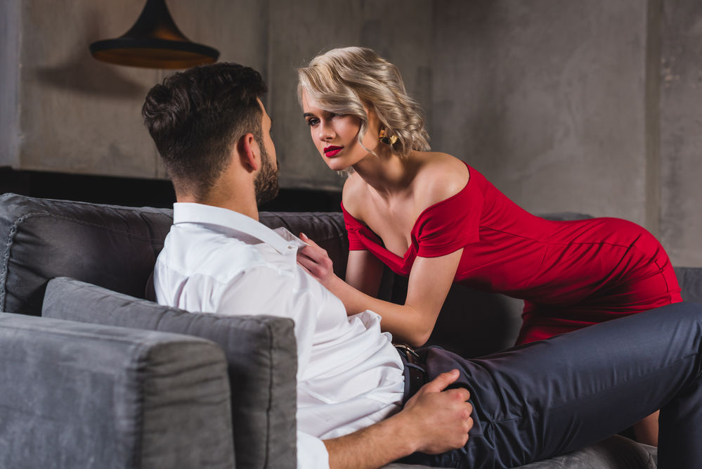 Astrologie: Influenta elementelor asupra barbatilor la prima intalnire