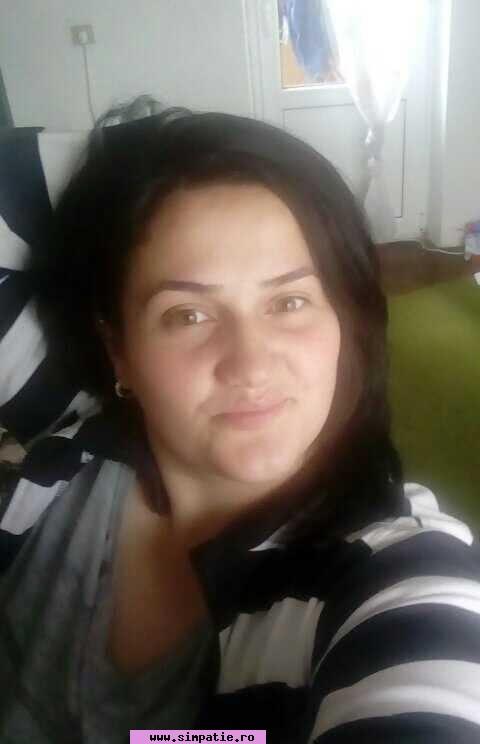femeie caut femeie)