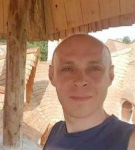 Caut căsătorite bărbați din Iași