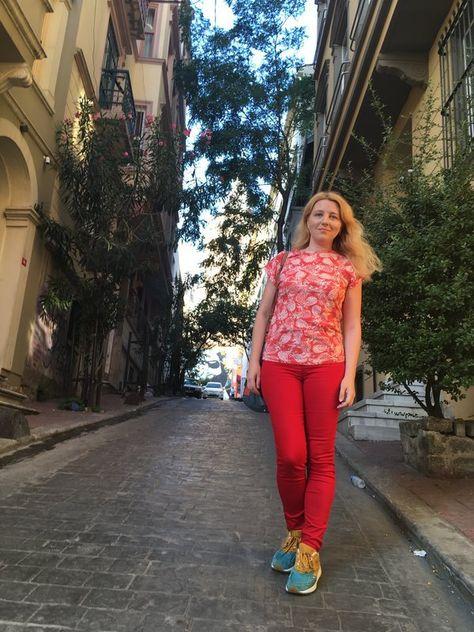 caut o doamna singura din Oradea)