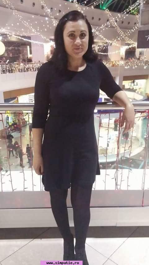 Caut o femeie neagră)