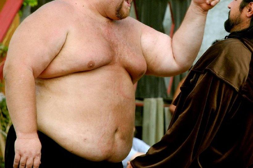 bărbat gras care caută femeie