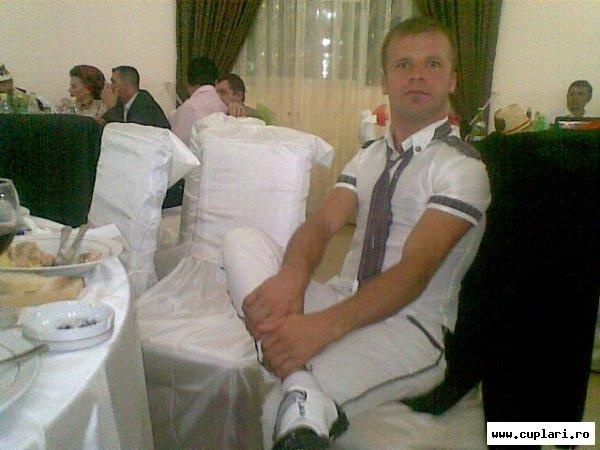 caut barbat singur din satu mare)