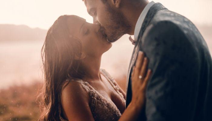 un bărbat care caută o femei relaxată