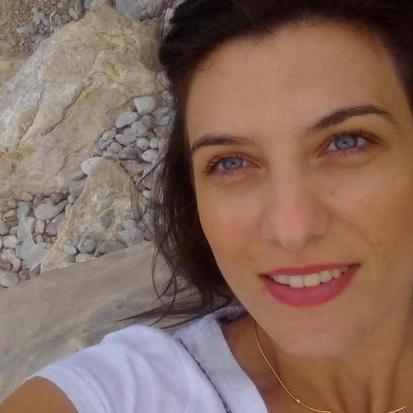 Caut căsătorite femei din Oradea femei singure din Reșița care cauta barbati din București