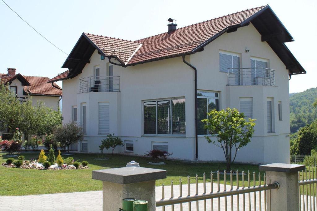 villa bojnik (bosnia şi herzegovina sarajevo))