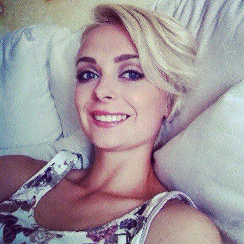 Femei care cauta o relatie - Ela 22 Cluj Andreea