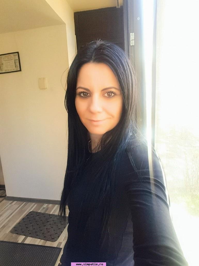 caut femeie singura moravica)