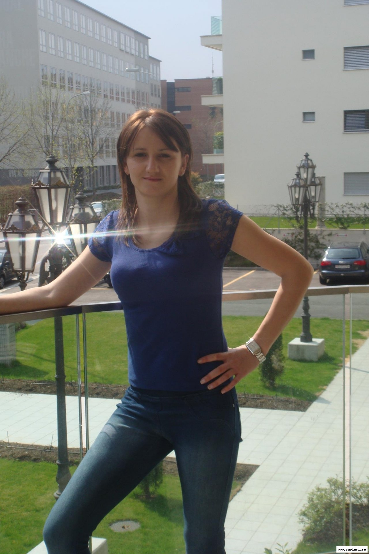fete singure care caută bărbați din România)