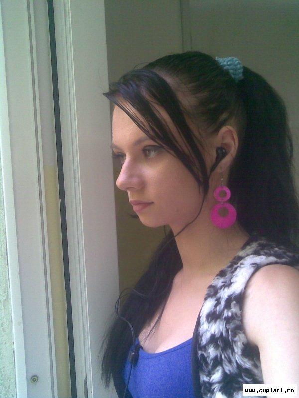 vreau sa fac cunostinta cu fete din moldova)
