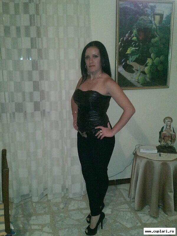 fete divortate din Oradea care cauta barbati din Oradea