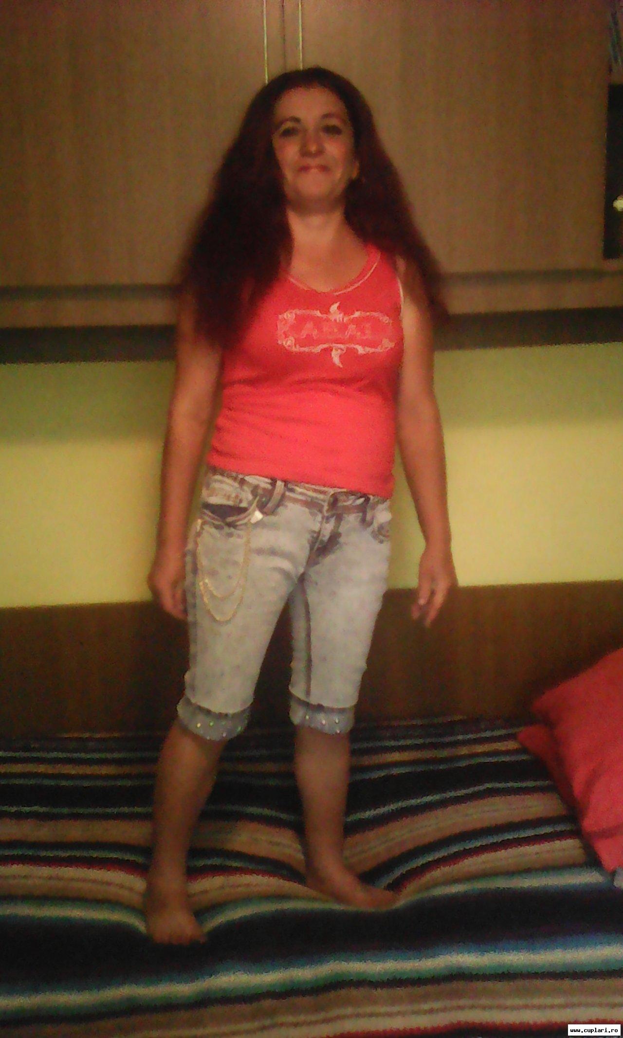 întâlniri cu bărbați și femei în românia doamna in varsta caut baiat tanar drăgănești olt